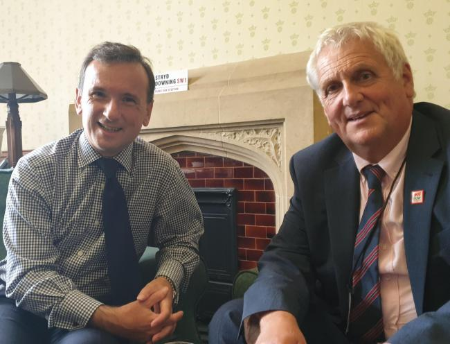Secretary of State for Wales Alun Cairns and FUW president Glyn Roberts discuss contingency planning required to support farmers in the event of a no-deal