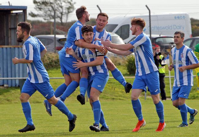 Holyhead Hotspur secured a dramatic late win over Llanrwst United