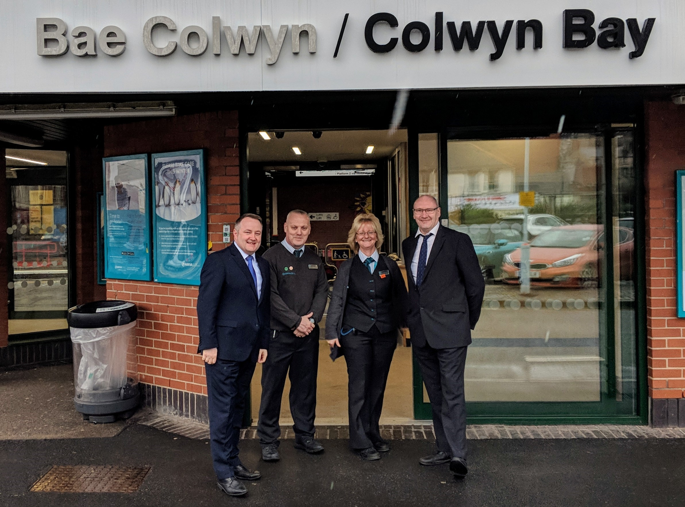 Darren Millar with Dave Graham, Lynda Ogden, Scott Barlow and Ben Davies at Colwyn Bay Train Station