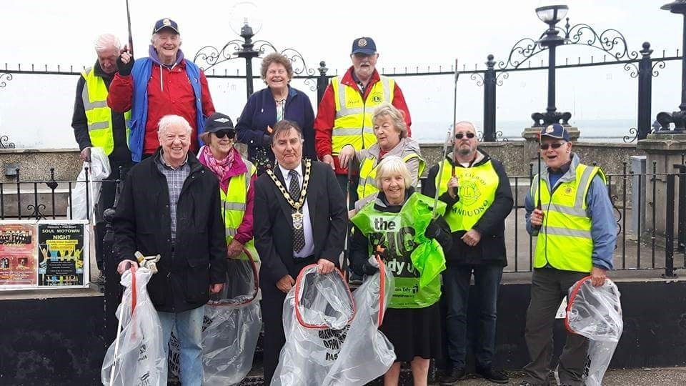 Llandudno Lions club members and volunteers at the litter clean up with Mayor Cllr Francis Davies
