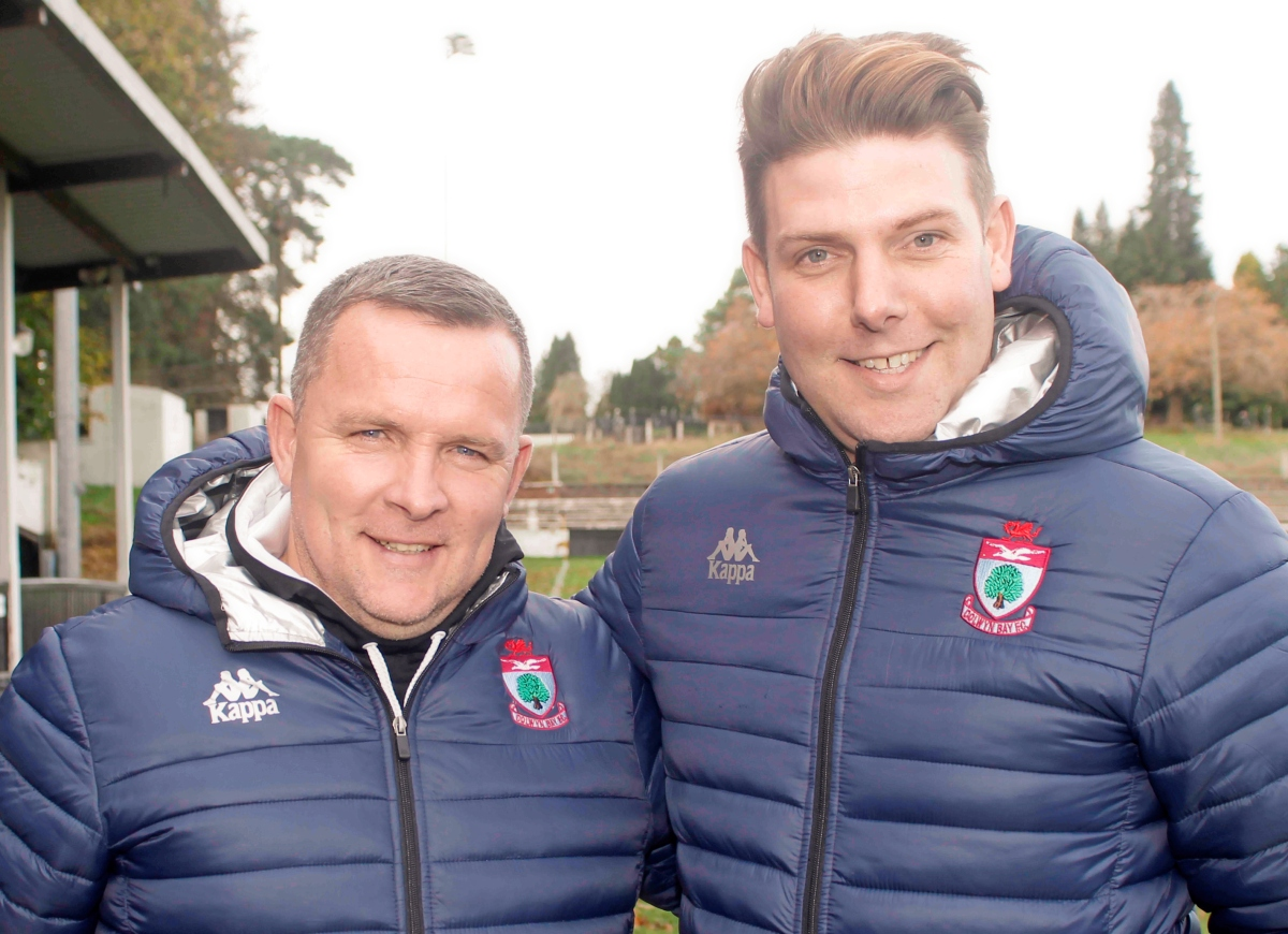 Colwyn Bay assistant Craig Hogg (right) with manager Alan Morgan