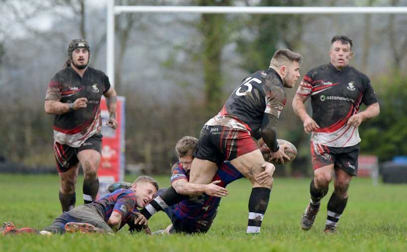 Llandudno made it ten straight league wins against Mold