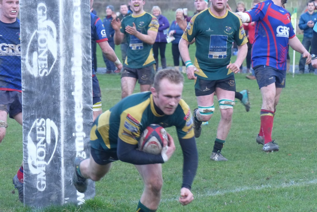 Action from Nant Conwy's defeat at Bala (Photo by Gary Williams)